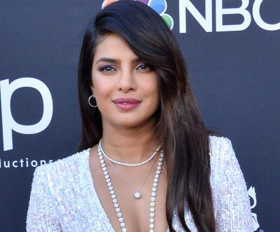 Priyanka Chopra, Jimmy Fallon have 'Hot Ones' experience on 'Tonight Show'