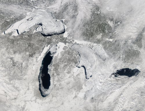 Great Lakes finally ice free
