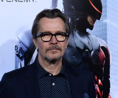Gary Oldman, Alexandra Edenborough officially divorced
