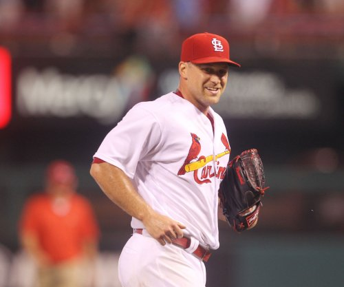 St. Louis Cardinals place RHP Trevor Rosenthal on DL, recall Dean Kiekhefer