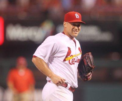 St. Louis Cardinals place RHP Trevor Rosenthal on DL, recall Dean Kiekhefer