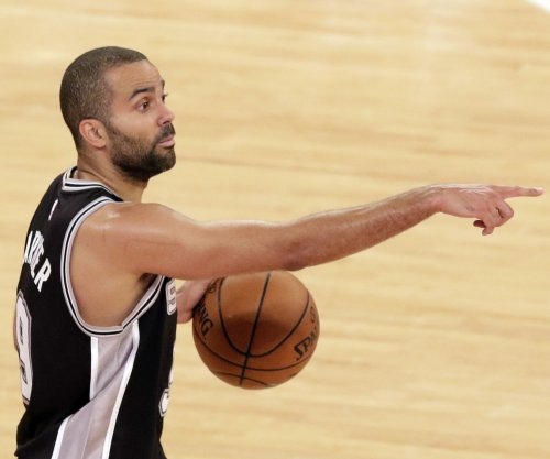 Tony Parker, Danny Green pace San Antonio Spurs past Portland Trail Blazers