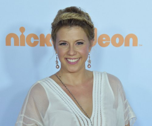 Jodie Sweetin's ex-fiance arrested for violating a restraining order