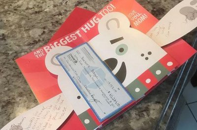 'Cash Me Outside' girl pays off mother's mortgage for Christmas