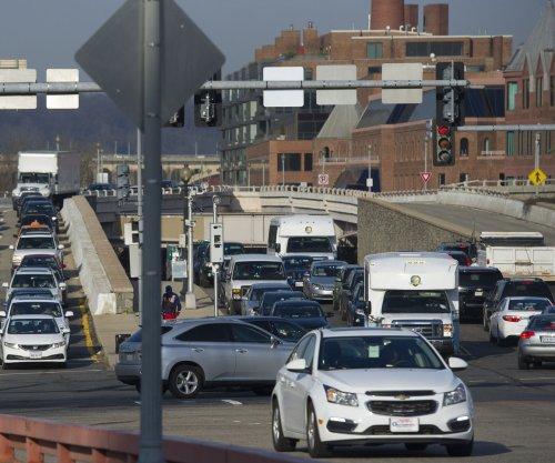 EPA to roll back Obama-era fuel efficiency standards