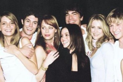 Rachel Bilson posts throwback photo on 'The O.C.' anniversary