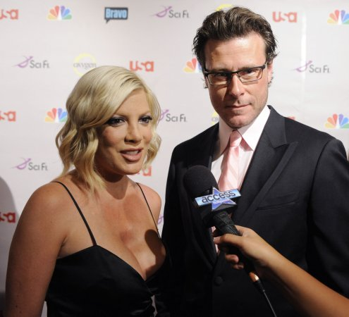 Tori Spelling lands in hospital, cheating husband by her side