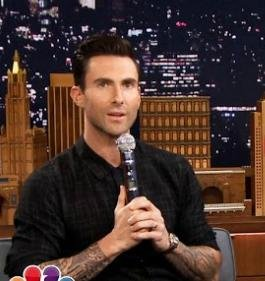 Adam Levine does mean Michael Jackson impression on 'Tonight Show'
