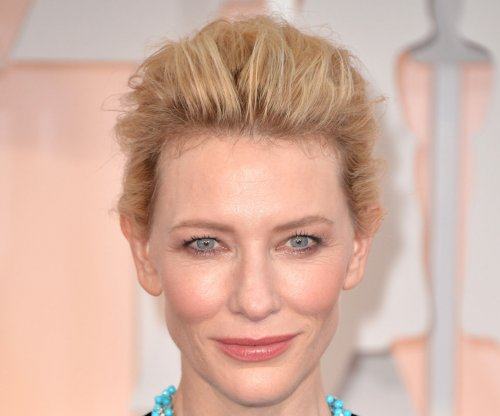 Cate Blanchett shows playful side in off-topic interview
