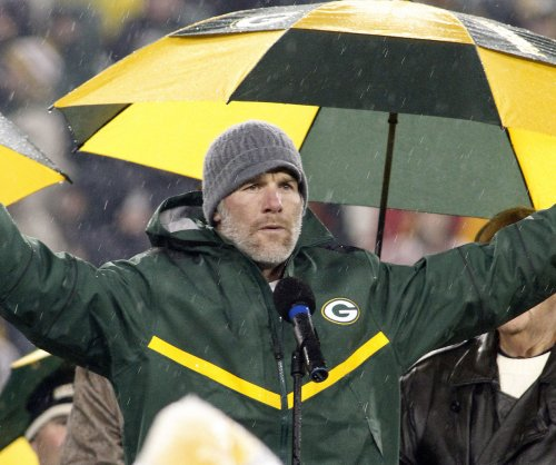 Green Bay Packers: Brett Favre suggests Aaron Rodgers can play into 40s