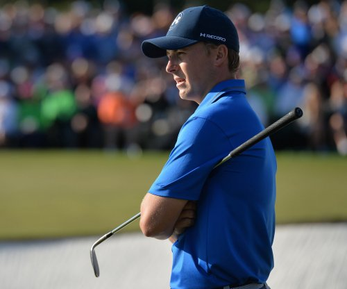 Jordan Spieth maintains lead in second round of Masters
