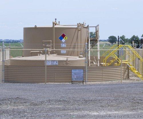 Texas oil production topped 1 billion barrels last year