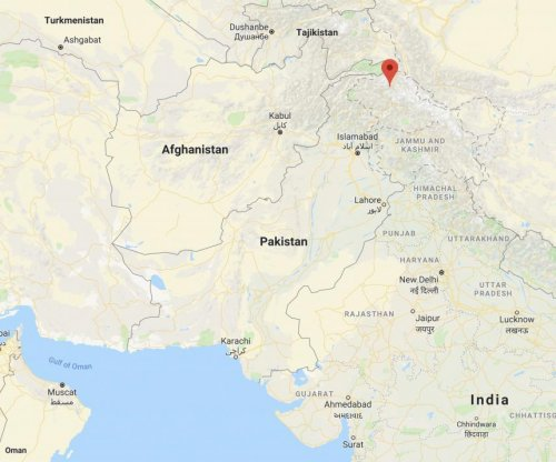 Mountain climber dead, 2 rescued after avalanche in Pakistan