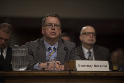 Senators urge Pentagon to continue its internal audit