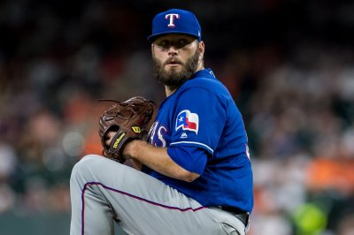 White Sox trade for ex-Rangers RHP Lance Lynn