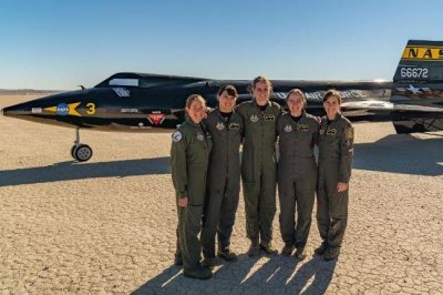 Five women among 24 graduates of USAF test pilot school