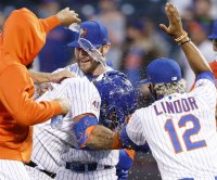 Stroman, Villar help Mets sweep Phillies in doubleheader
