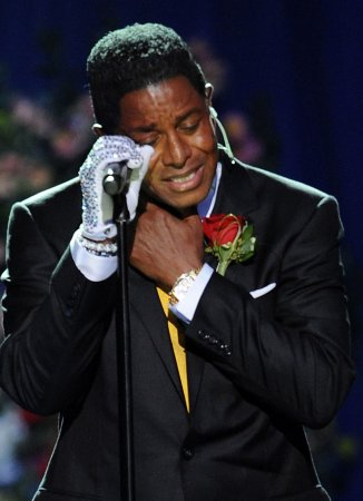 Stars drop out of MJ tribute concert