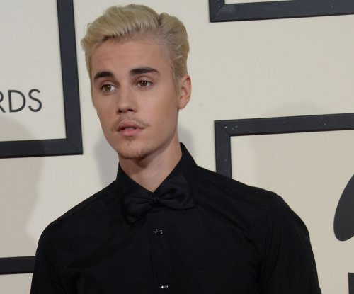 Justin Bieber announces tour, discusses dating life on 'Ellen': 'I'm not dating anybody'