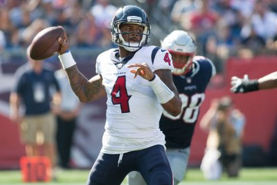 Texans face Titans with eighth straight win in sights