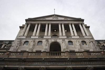 British central bank leaves interest rates alone amid Brexit volatility