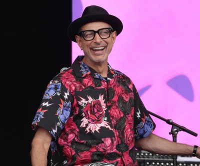 Jeff Goldblum says his new Disney+ show is an 'experience' on 'Kimmel'
