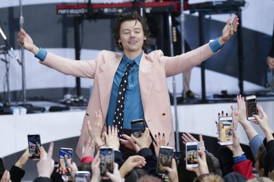 Harry Styles to read bedtime story for Calm app
