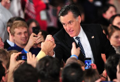Romney's Cayman holdings raise eyebrows