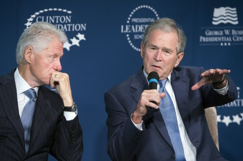 Presidents George W. Bush, Clinton kick off new scholars program