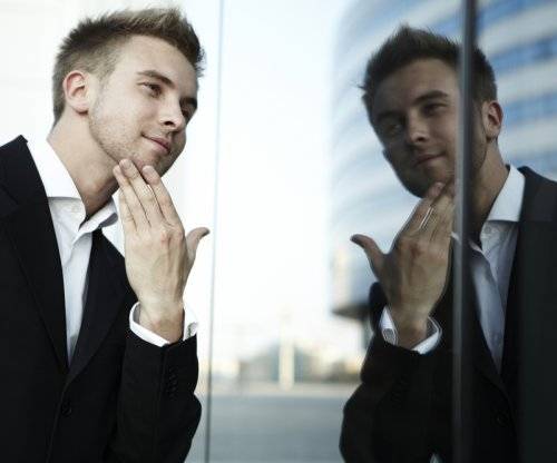 Surprise, men are more narcissistic than women