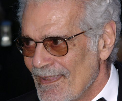 Omar Sharif is battling Alzheimer's disease, can't recall details about classic films