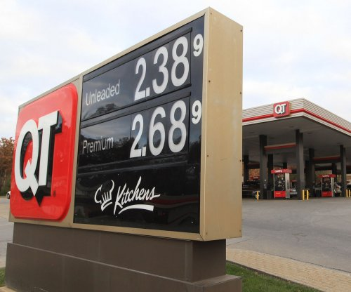AAA: Gas prices in steady decline