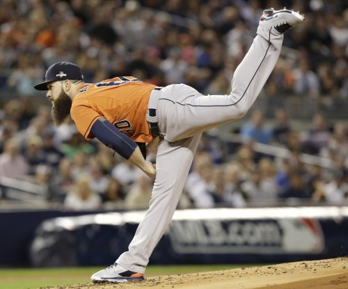 Astros' Dallas Keuchel, Cubs' Jake Arrieta win Cy Young