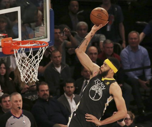 Warriors' JaVale McGee gets rejected by rim on dunk attempt