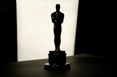 Justice Dept.: Restricting Netflix from Oscars could violate law