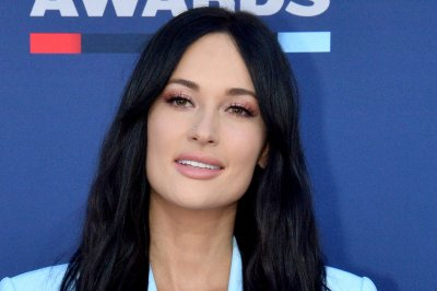 Kacey Musgraves releases Earth Day version of 'Oh, What a World'