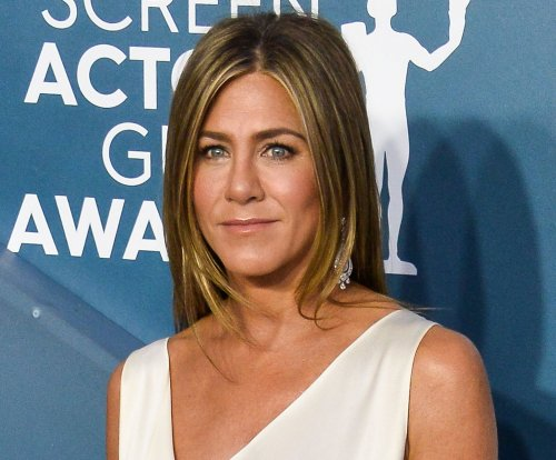 Jennifer Aniston, Julia Roberts join 'Fast Times at Ridgemont High' table read