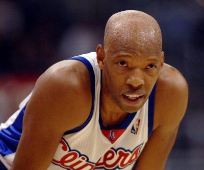Clippers release PG Sam Cassell