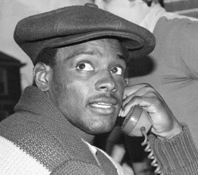 Walter Payton book alleges drug use, infidelity