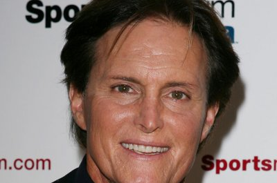 People are showing support for Bruce Jenner by painting their nails