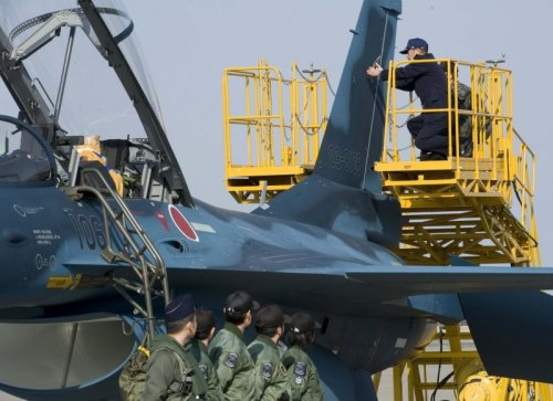 Japan's damaged F-2 fighters returning to service