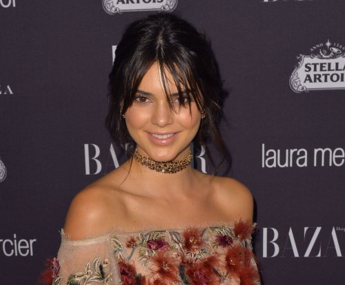 Kendall Jenner photographs Jimmy Fallon on 'Tonight Show'