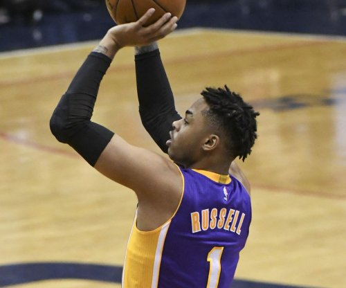 Los Angeles Lakers trade D'Angelo Russell to Brooklyn Nets for Brook Lopez