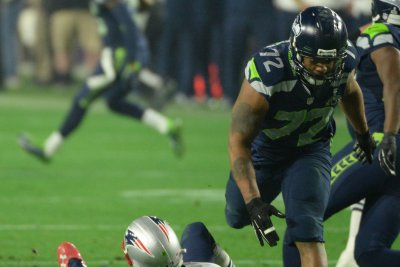 Attorney says Eagles DE Michael Bennett would plead not guilty