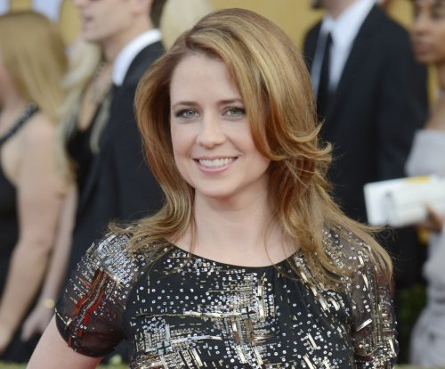 Jenna Fischer dishes on chemistry between herself, John Krasinski after 'The Office'