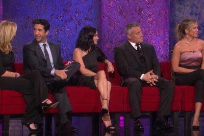 'Friends' stars reunite in promo for NBC special