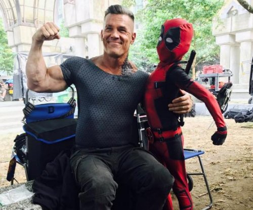 'Deadpool 2': Josh Brolin flexes as Cable with little Deadpool in photo