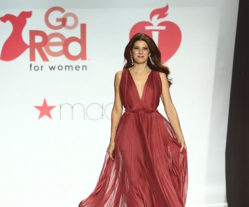 Go Red for Women: Marisa Tomei hosts, stars walk the runway
