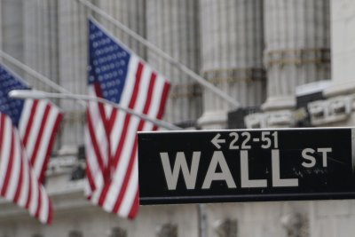 Dow briefly trades positive for 2020 as markets close flat