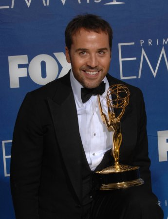 'Dexter,' 'Love' vie for drama Globe